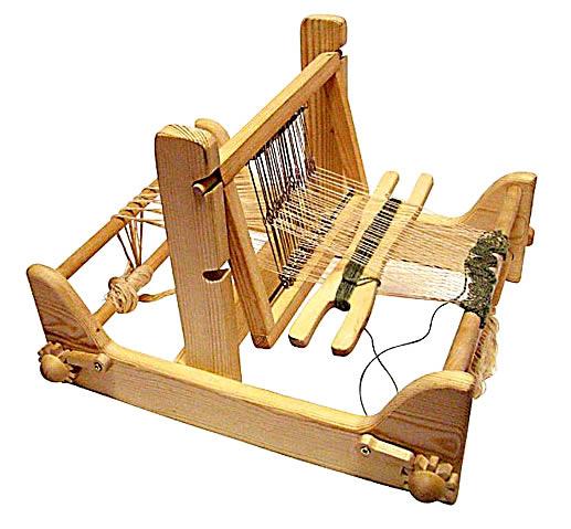 В конце XIV в появились ручные ткацкие станки...  В настоящее время производительность челночных станков считается...